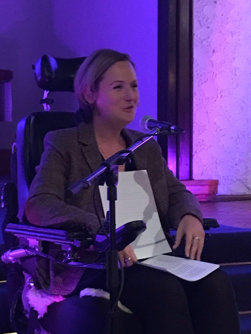 LNina Hoffmann während der Lesung2